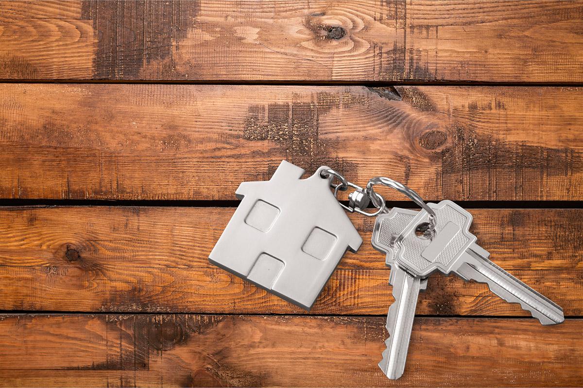 Første skridt mod at sælge dit hjem: Forstå en bolighandel